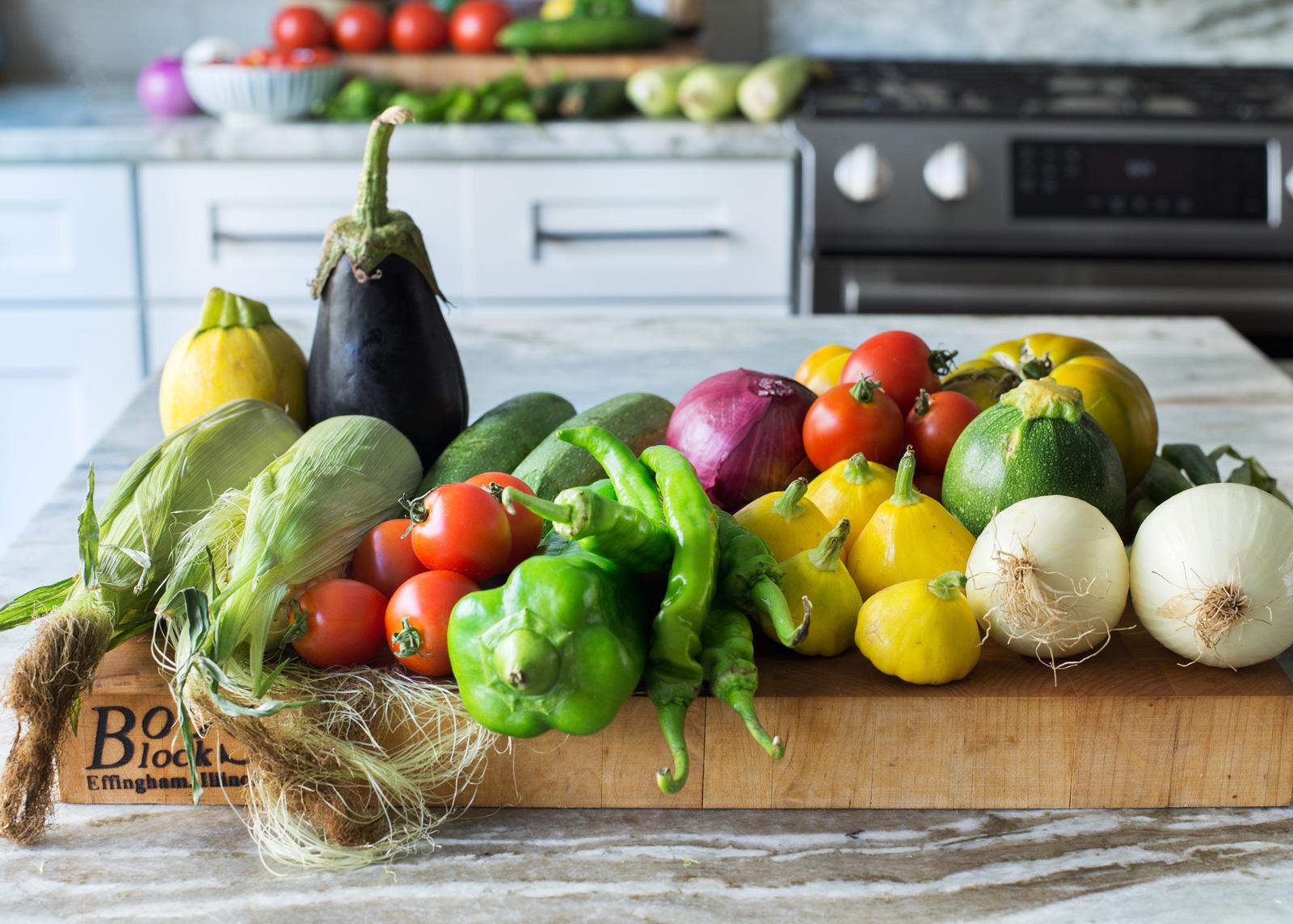 multicolored-veggies-on-a-cutting-board