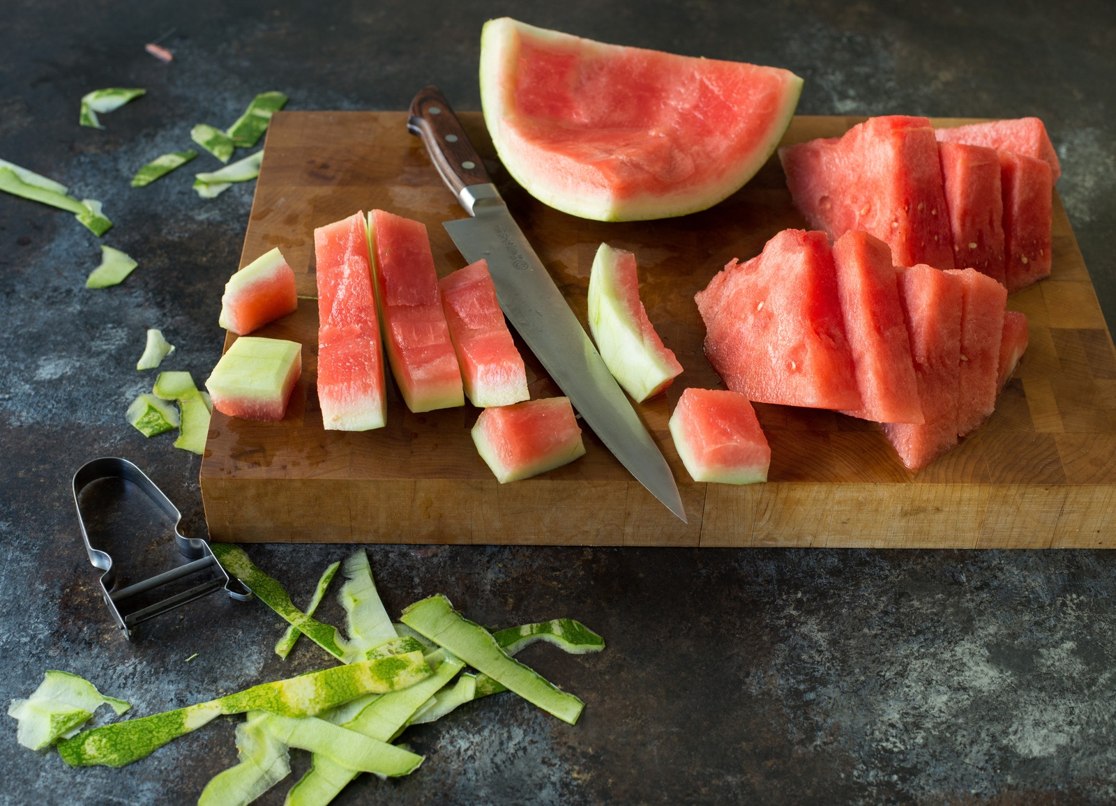 sliced-watermelon-ready-for-smoothie